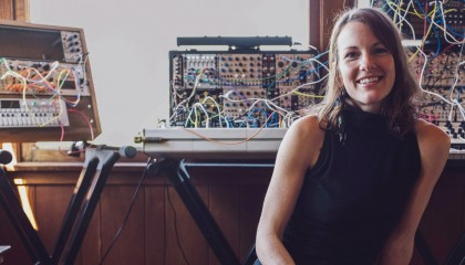 Small Talk: vieraana Kaitlyn Aurelia Smith