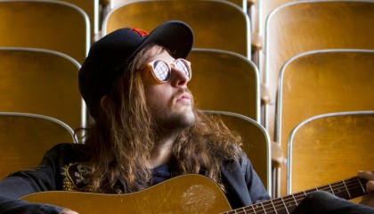 Small talk: vieraana Kyle Thomas (King Tuff)