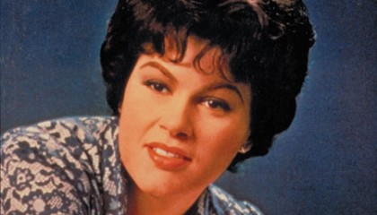 #4 Patsy Cline – I Fall to Pieces (1961)