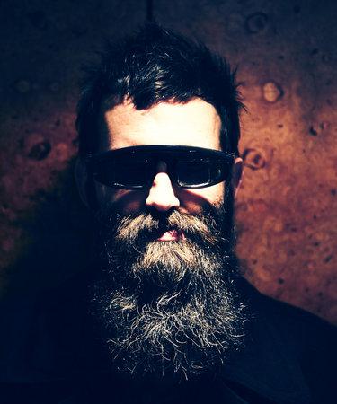 Mark Oliver Everett, mies jolle jopa oma parta on syy laulaa.