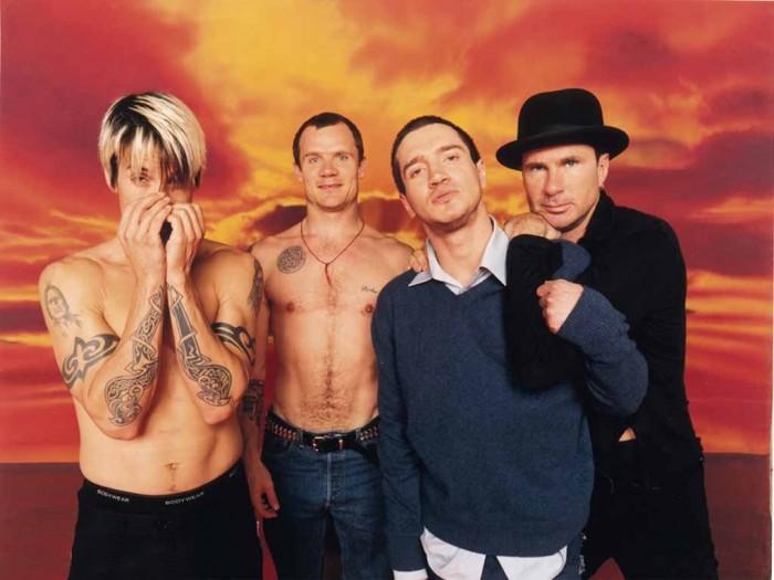 Californication-albumi oli John Fruscianten (toinen oikealla) tyylikäs paluu Red Hot Chili Peppersin riveihin.