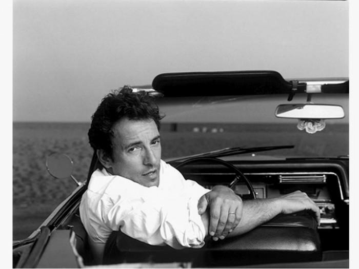 Bruce Springsteen. Harrastukset: autot, tytöt ja pomottaminen, muiden muassa.
