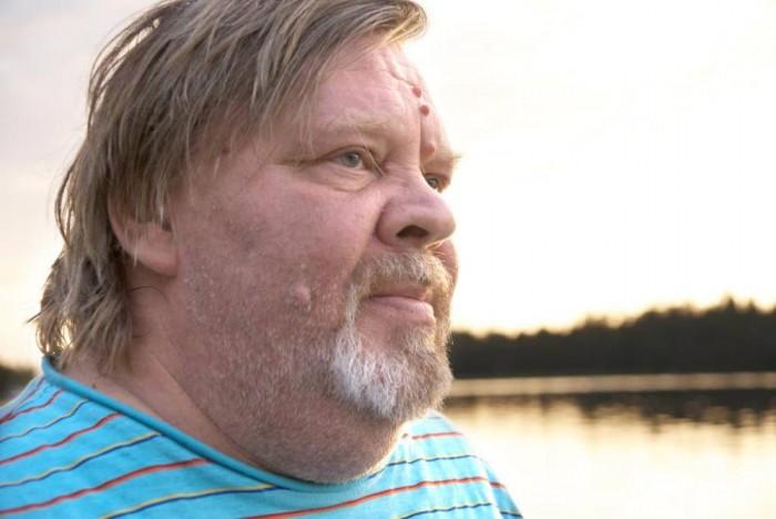 Vesa-Matti Loiri – joskus nauraa kuutamoon, joskus ei.