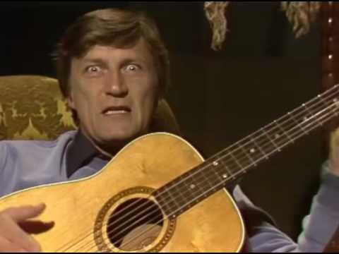 Nuorgamin yöradiossa kuultiin muun muassa Tapani Pertun pahamaineinen Raiskauslaulu.