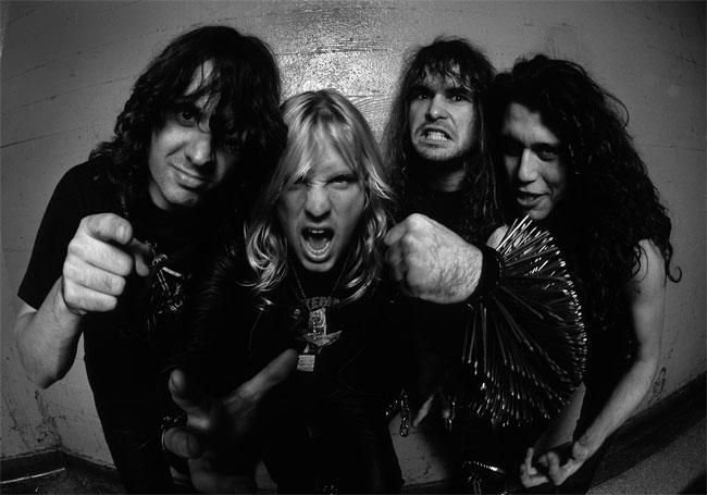 Slayer: myhäilyä, irvistelyä ja niittejä jo vuodesta 1981.