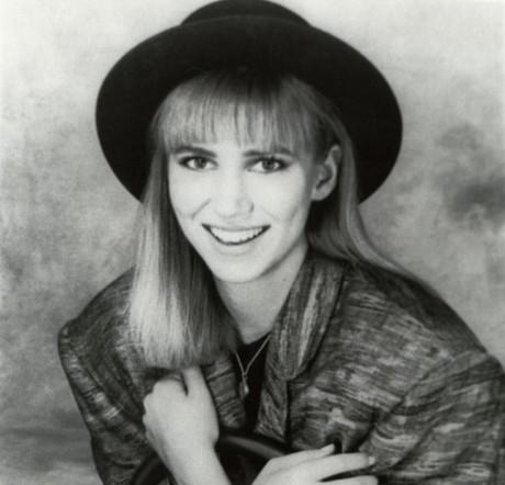 Debbie Gibsonin nuoruus oli sähköinen.