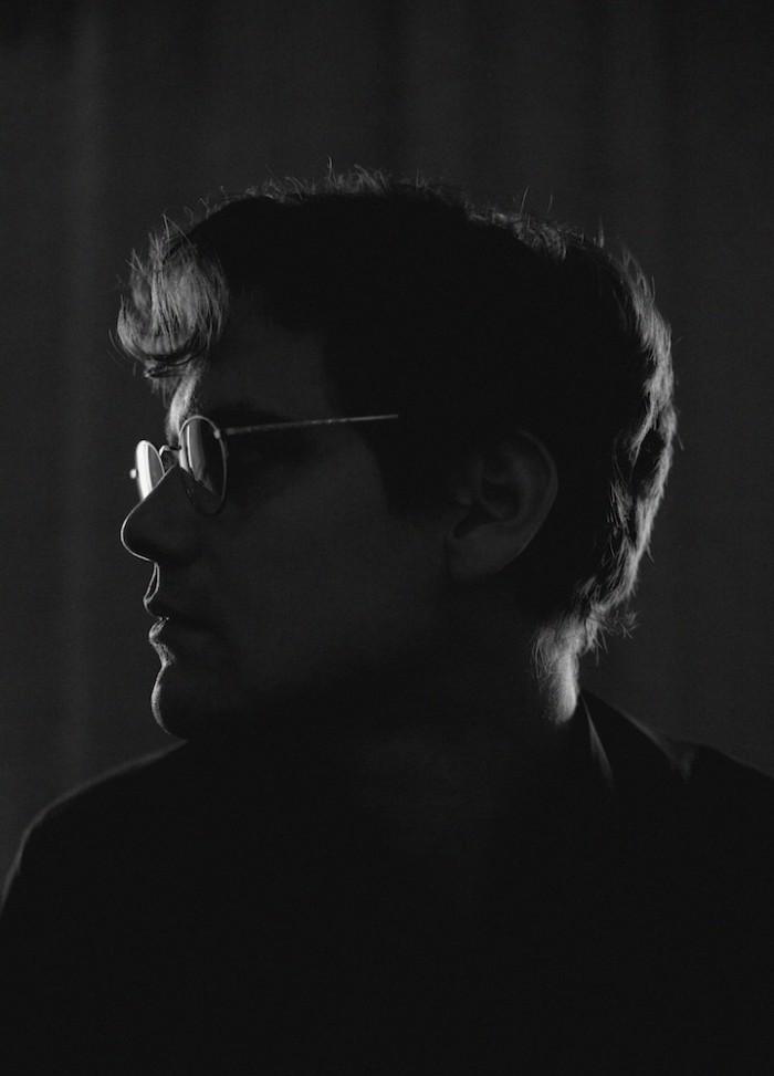Risto Juhani pimeässä. (Kuva: Aki Roukala)