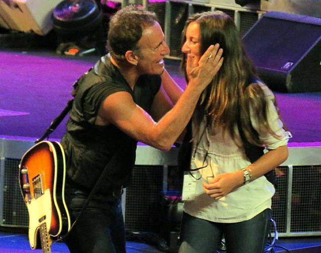 Bruce ja tyttärensä Jessi.